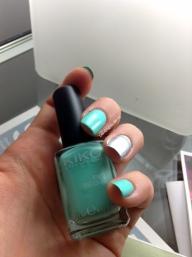 Kiko Mirror & Kiko turquoise-vert d'eau néon 389